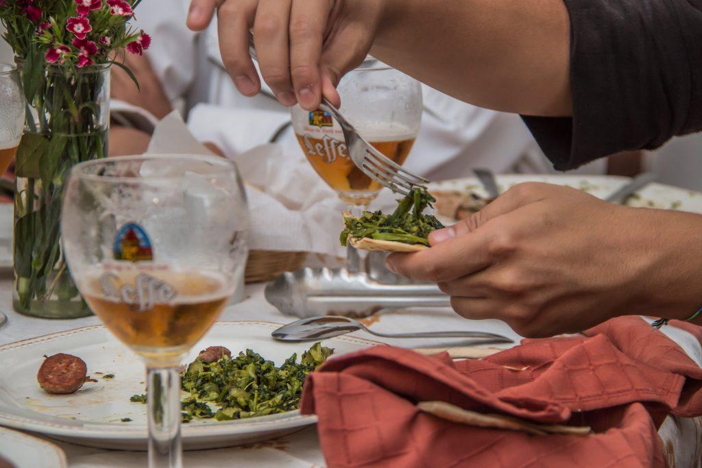la-cucina-di-borgorotondo-intro-cerveza-clara-belga-leffe-blonde-foodie-tour-belgas-pablo-bromo-nicolas-vanzetto-carretera-salvador-guatemala