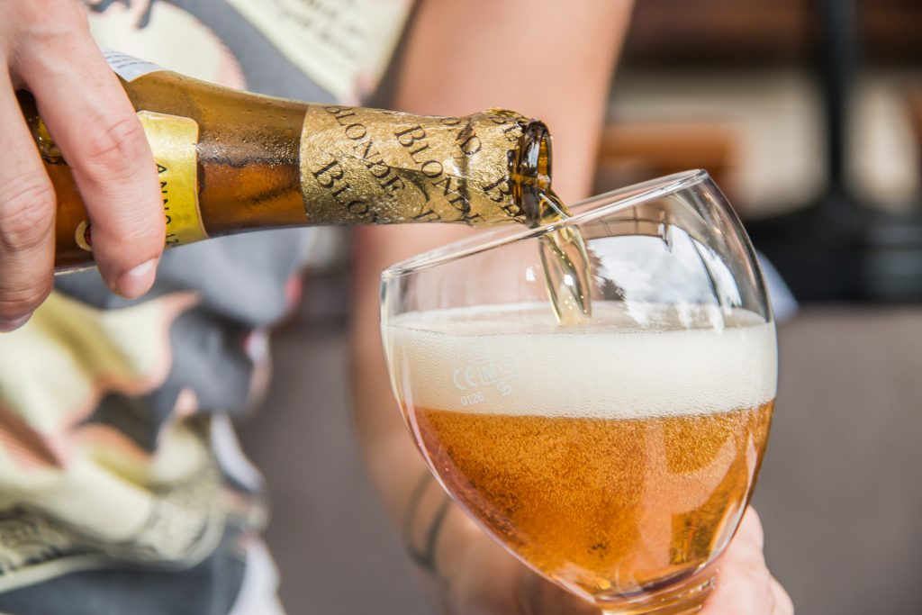 donde-como-leffe-blonde-cerveza-rubia-tour-belgas-foodie-pablo-bromo-nicolas-vanzetto-carretera-salvador
