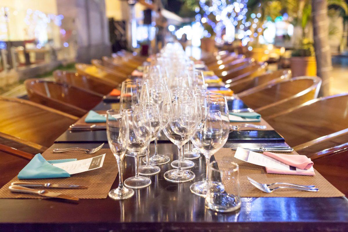 foodie-club-picasso-hotel-intercontinental-cena-portada-mesa-preparacion