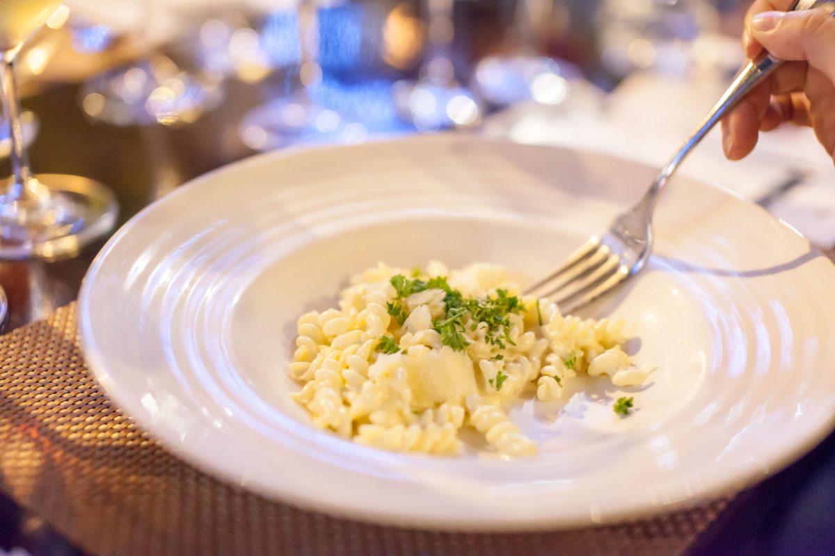 foodie-club-picasso-hotel-intercontinental-cena-queso-parmesano-grano-padana-pasta-alla-routa
