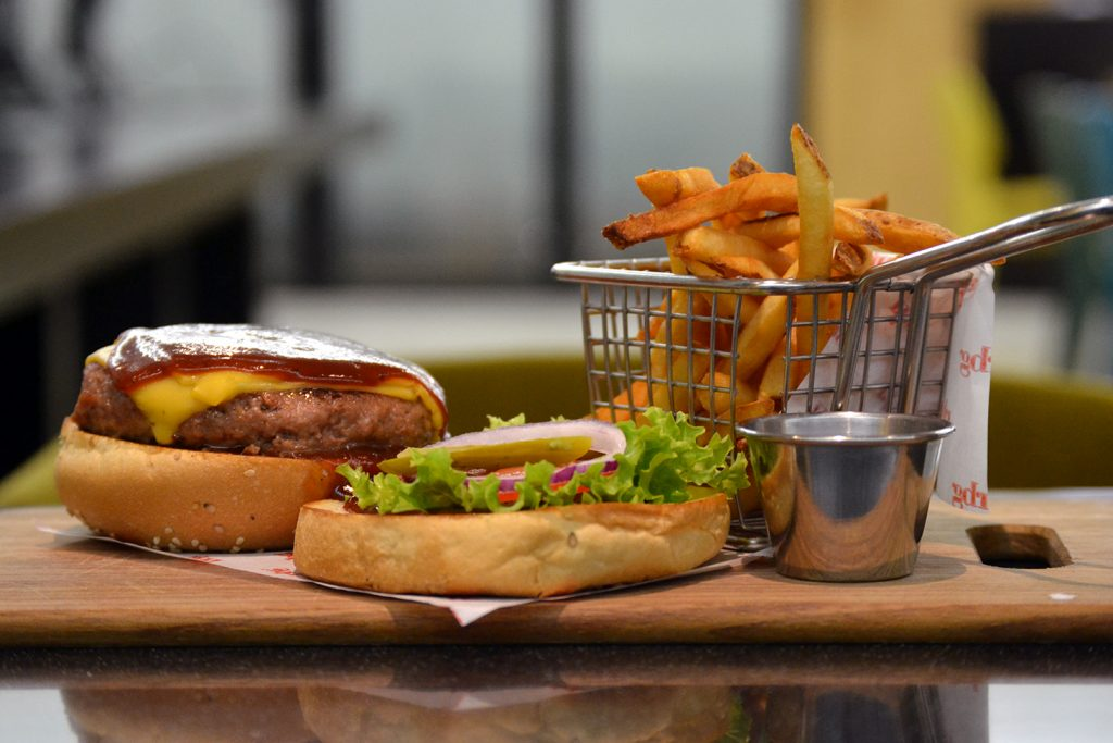 rbg-radisson-bar-grill-working-day-mister-menu-restaurante-oficina-sala-negocios-privada-trabajo-servicios-almuerzo-menu-lunch-hamburguesa-burger