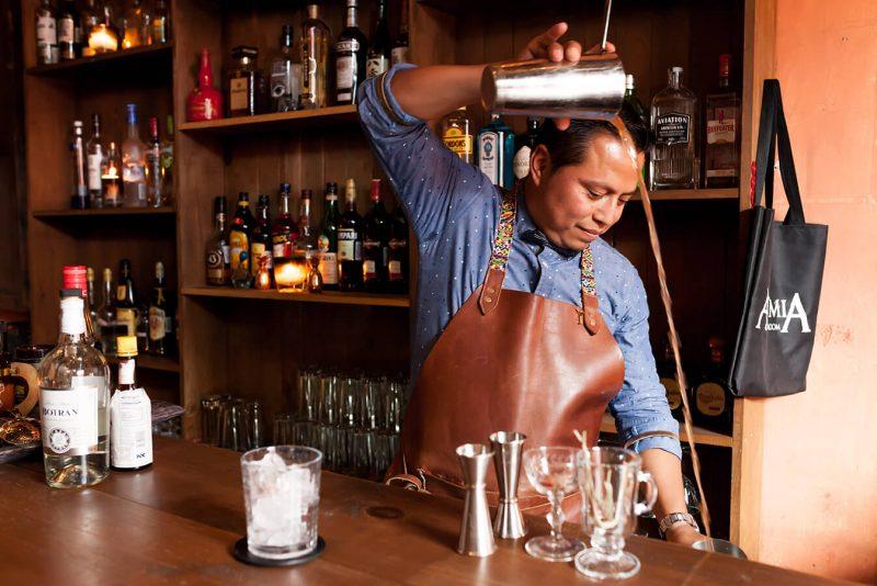 mixologia-antigua-guatemala-ron-botran-alquimia-cocktail-room-raul-cojolon-mister-menu-foodie-tour8