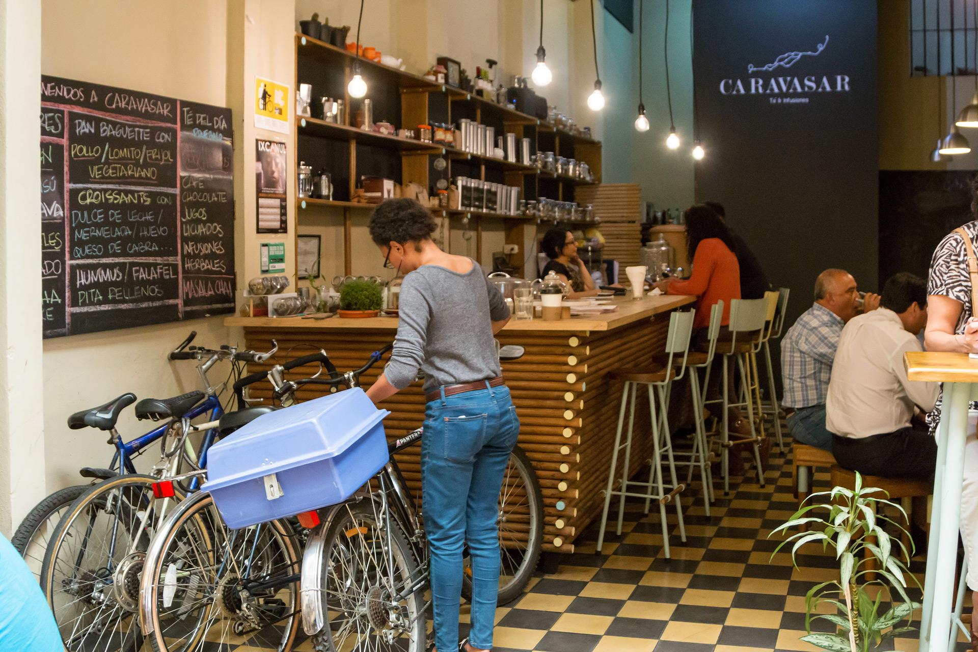 walking-tour-foodie-zona-1-uno-pablo-bromo-caravasar-te-local-restaurante