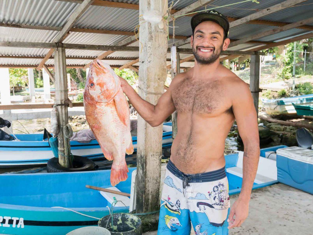 Javier, de Utepi Beach, nuestro guía